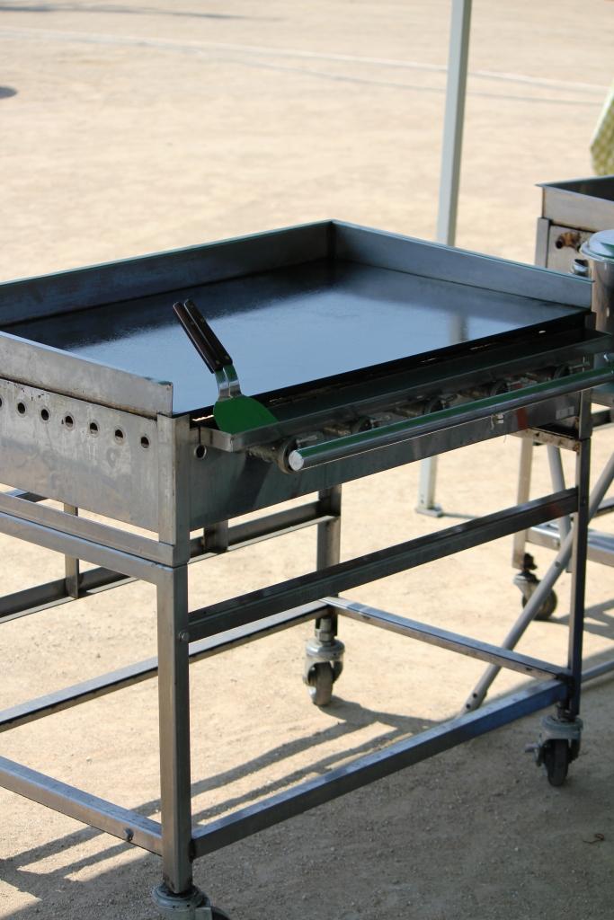 鉄板焼き機 (台付きタイフ゜)